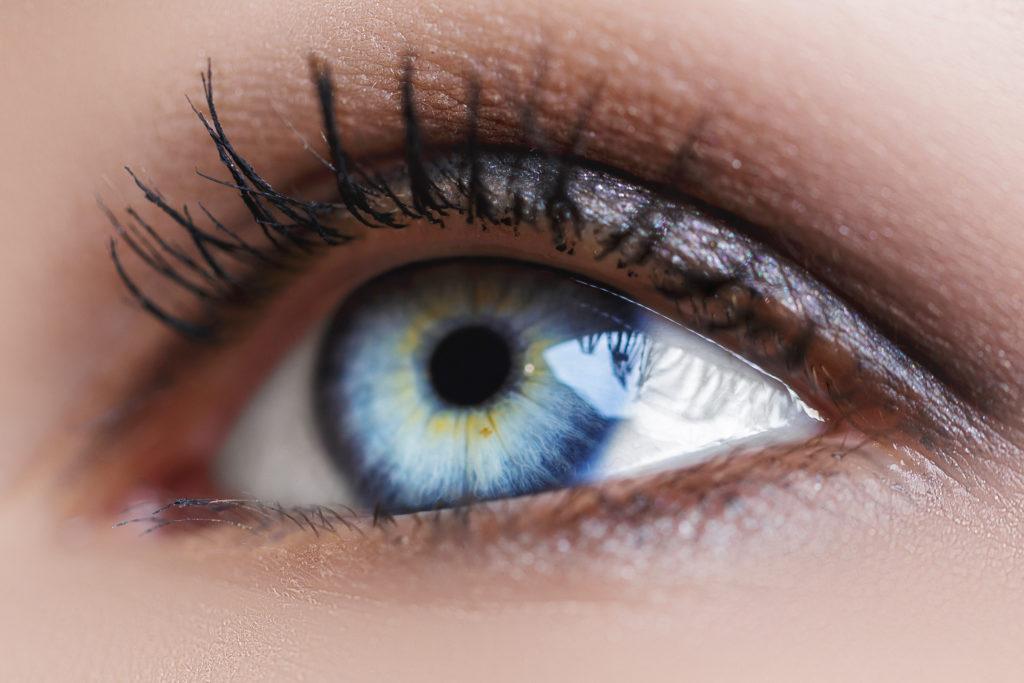 Natural Remedies To Grow Eyelashes
